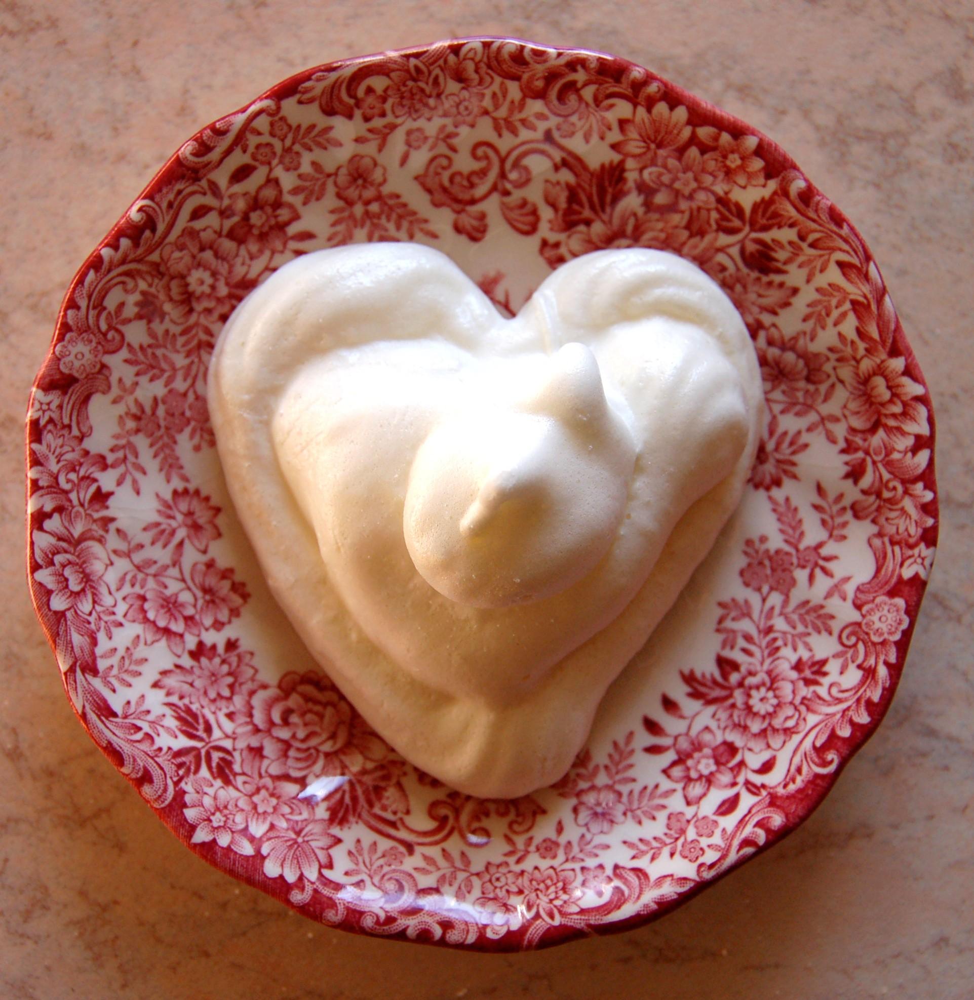Dolci di san valentino le meringhe for Pensierini di san valentino