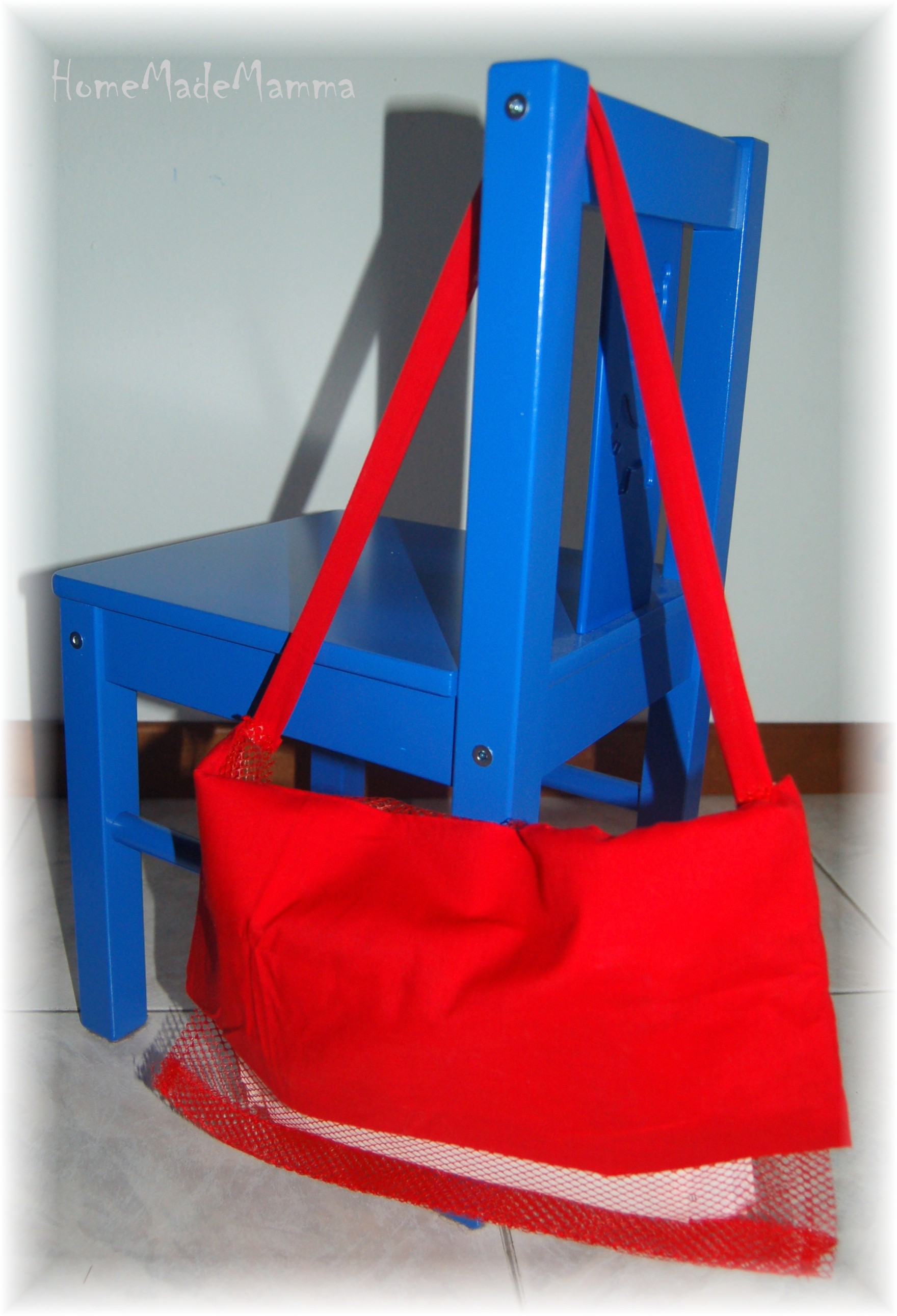 a5fc9499d5 C'è posta per te: una borsa del postino tutta riciclata