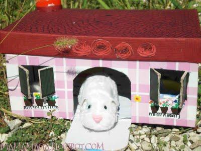 Da scatola di cartone a casa giocattolo i lavoretti di - Casa di cartone ...