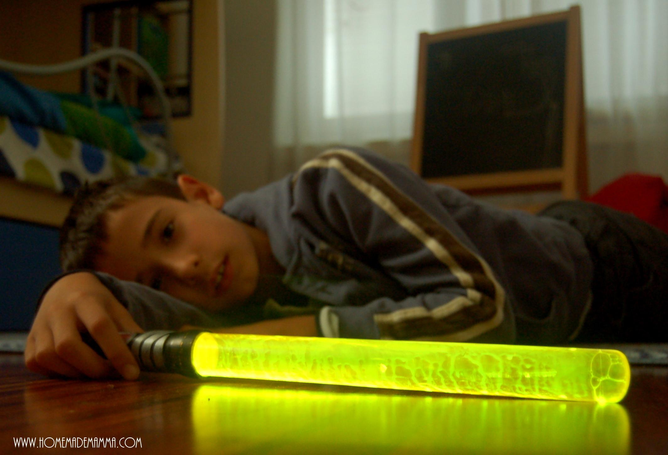 spada laser che si illumina fai da te